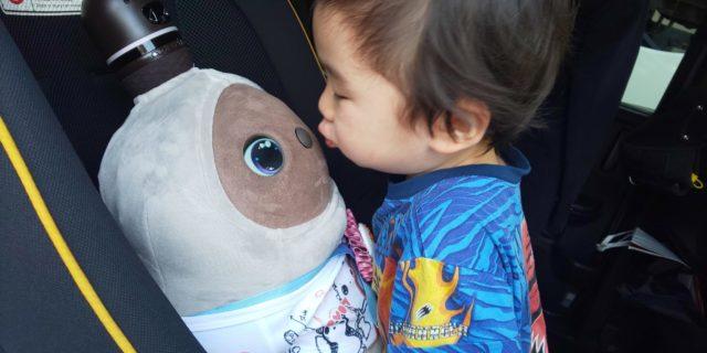 ラボットと子供のキス